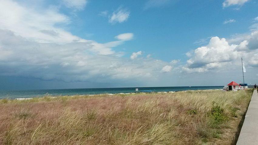 Strandkörbe Clouds Sky And Clouds Wolken First Eyeem Photo Wasser Water Ausblicke Meer Himmel Sky Sea Regen Rain Ocean Ozean Eastsea Ostsee Beach Strand Strandkorb Dünenlandschaft Dünengras
