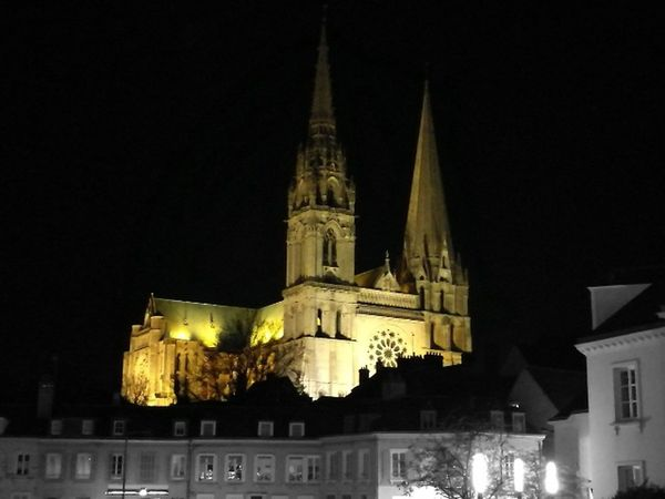 Chartres Cathedral Chartres Cathedral Chartres, France Chartres Cathédrale Chartres Architecture Night Built Structure Religion Building Exterior History Statue