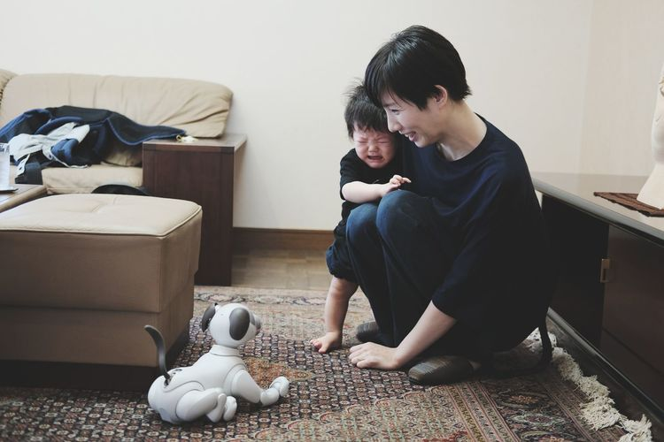 AIBO ☓ My son Portrait EyeEm Best Shots EyeEmNewHere EyeEm Nature Lover EyeEm Selects EyeEm Gallery Japan Baby Home A New Beginning 50 Ways Of Seeing: Gratitude Holiday Moments Human Connection Moments Of Happiness 2018 In One Photograph My Best Photo Humanity Meets Technology Moms & Dads