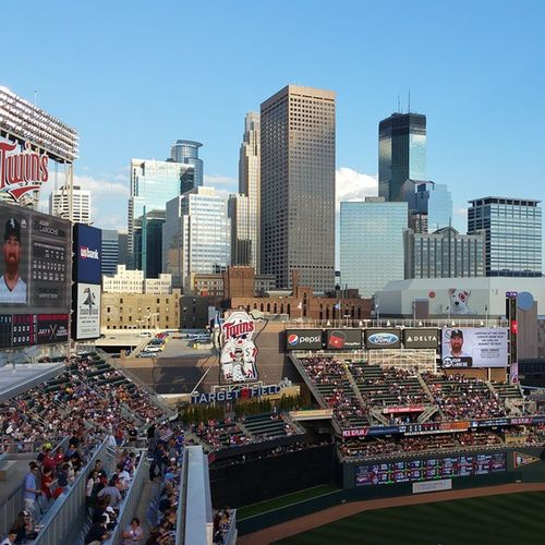 Minnesotatwinsbaseball vs Chicagowhitesox @ Targetfield Minnesotalife Noediting