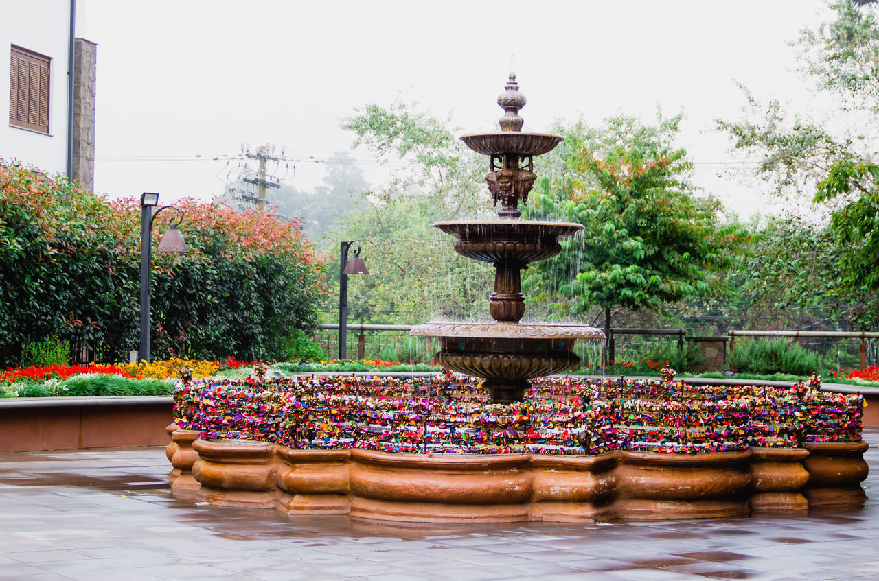 WATER FOUNTAIN IN PARK