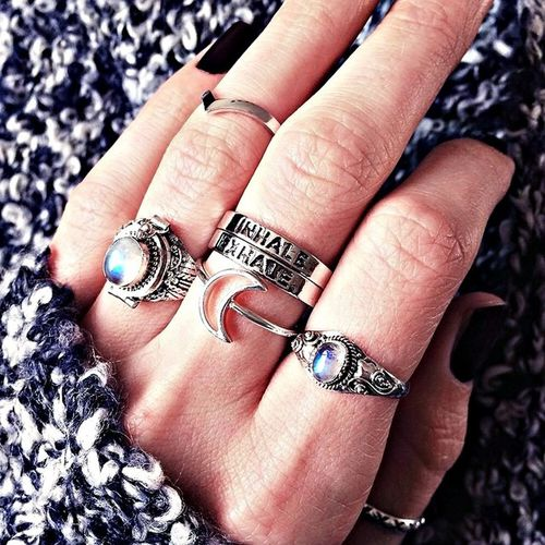 Ring Grunge Indie Moon