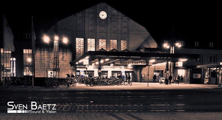 Direkt vor meinem Hotel heute.... Karlsruhe Beat-fighter Streetphotograpy Streetphotograhpy Streetphotography Taking Photos Germany Urban City