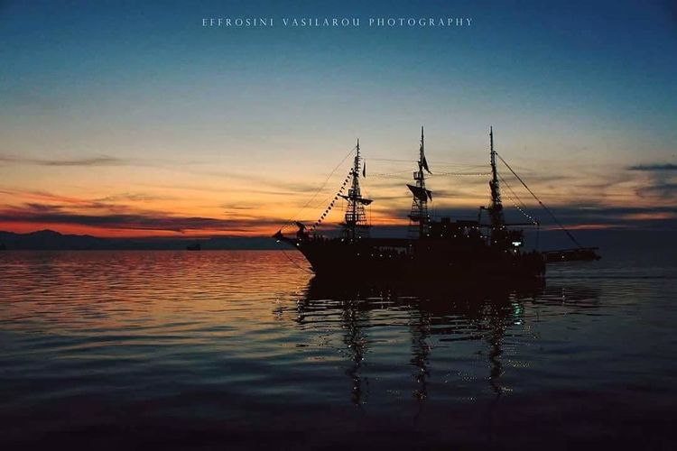 Sky And Clouds EyeEm Best Edits EyeEmNewHere Thessaloniki Greece Horizon Over Water Barboat EyeEmNewHere Sunrise_Collection EyeEm Colors Water Tall Ship Sea Sailing Ship Sunset Harbor Silhouette Reflection Sailboat Sailing