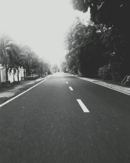 Photography Captured Explore Travel EyeEmBestEdits EyeEmbestshots On The Road Blackandwhite Street Eyeem Philippines // Long drive 👌🚘⬆