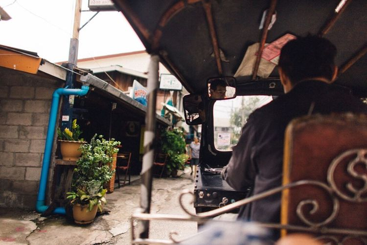 Man working in shopping cart