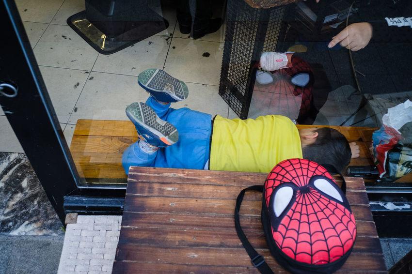 October 2018 Streetphotography Street Photography Streetphoto_color Streettogs Everybodystreet Human Condition Documentary Photography Social Documentary Sokakhikayeleri High Angle View Table