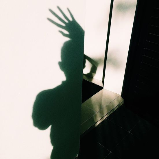 Magic Hand EyeEm The Magic Mission Light Light And Shadow Shadow Shadows & Lights Playing Photo Photography The Week Of Eyeem Portrait Self Portrait Myself Eyeemphoto Reflection My Favorite Place