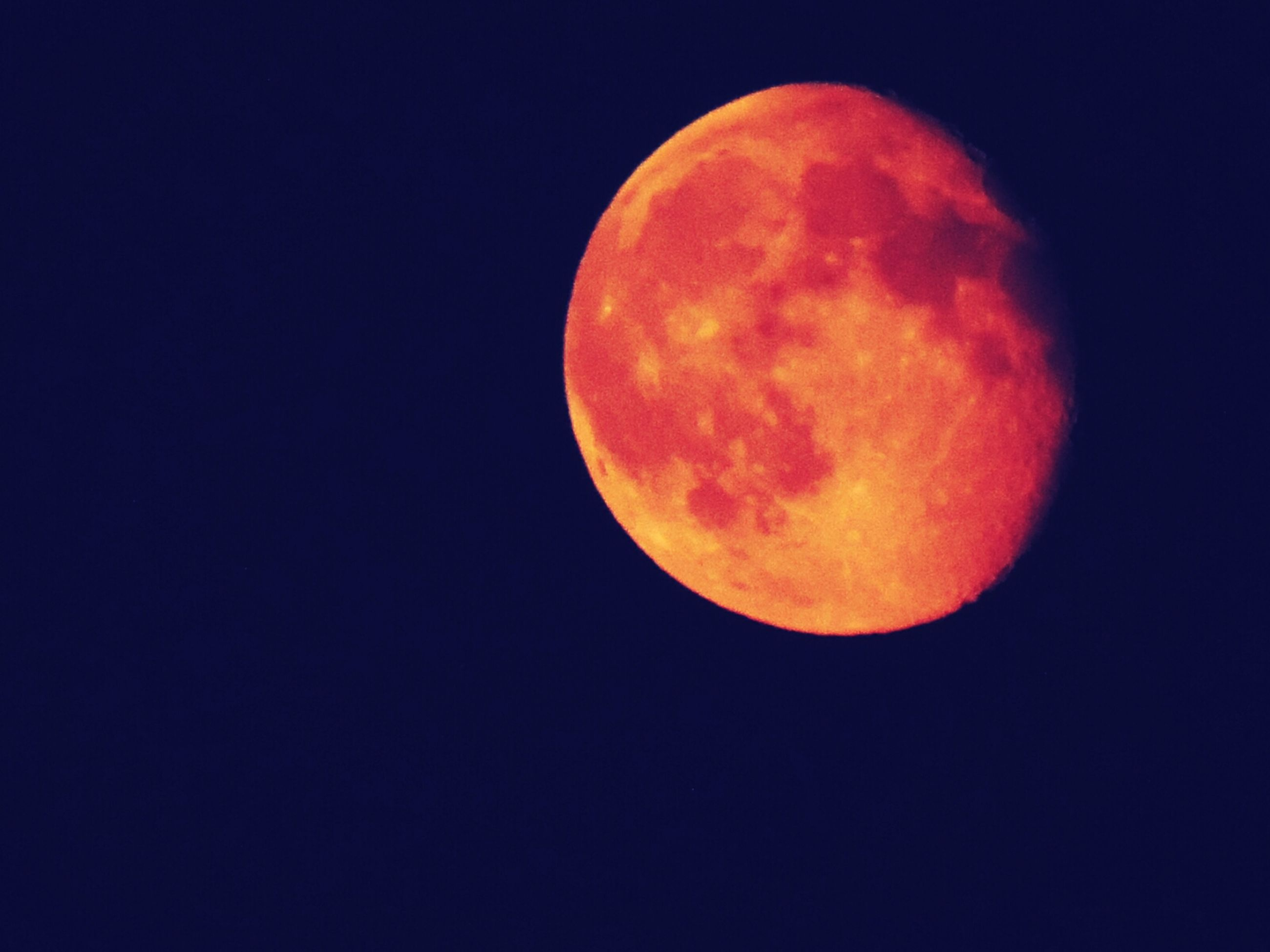 moon, copy space, astronomy, full moon, planetary moon, night, clear sky, beauty in nature, moon surface, low angle view, scenics, tranquil scene, tranquility, circle, space exploration, sphere, discovery, nature, idyllic, sky
