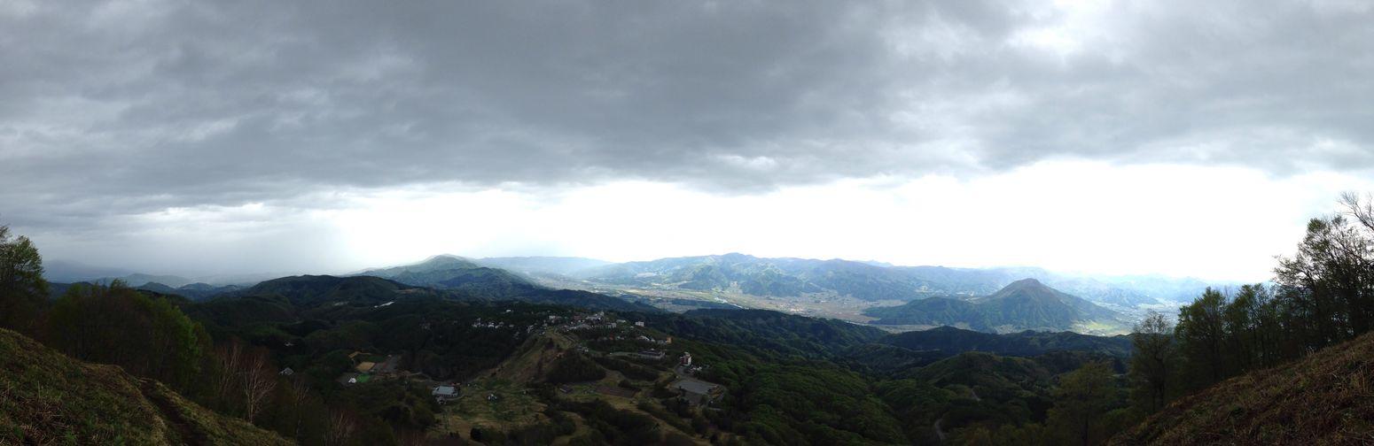斑尾山から見た飯山の空 Blues 弾丸ツアー Motorcycle 君と見たい空 お前とは遊ばない