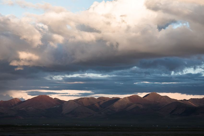 Cloud - Sky Water Mountain Sky Scenics - Nature Beauty In Nature Tranquil Scene Tranquility Nature Environment Landscape Mountain Range Sea No People Non-urban Scene Land Idyllic