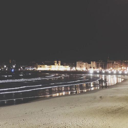 Donosti  Relaxing Taking Photos San Sebastian Beach Crystal Clear