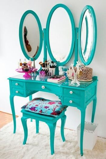 I want this beautiful vanity for my room ♥.♥ IWant