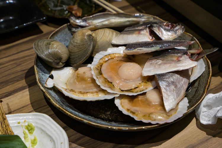 Animal Close-up Crockery Fish Focus On Foreground Food Food And Drink Freshness Healthy Eating High Angle View Indoors  Japanese Food Kenhina No People Oyster  Plate Ready-to-eat Seafood Serving Size Still Life Table Temptation Tray Vertebrate Wellbeing