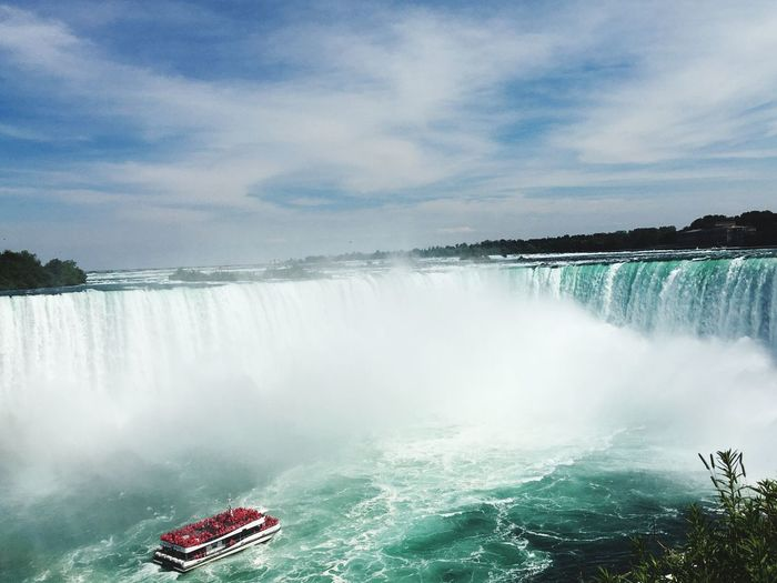 Niagara Falls Boat River Maidofthemist Niagara Falls Niagarafalls Niagara NiagaraFallsCanada Niagara Falls Ontario Ontario Canada, Eh? Canada Ontario, Canada Water Tourism Tourist Travel Traveling Travel Photography Enjoying Life Weekend Trip Roadtrip Road Trip Summer Summertime