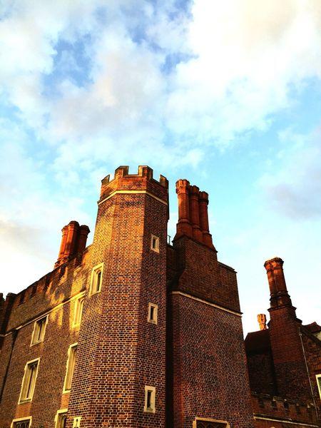 Seeing The Sights Hampton Court Palace Dramatic Decorative Structure Decorative Brick Wall Chimneys Henryviii Palace