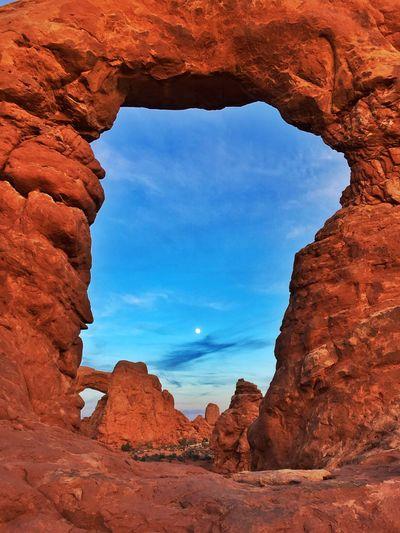moonrise at Turret Arch Nature Outdoors Moon Moonlight Nationalpark Public Land Utah Twilight Evening