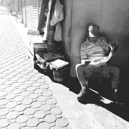 Old Man Reading Paper Blackandwhite Upclosestreetphotography Street Urban Asuszenfone2 Attemptsatphotography The Street Photographer - 2016 EyeEm Awards