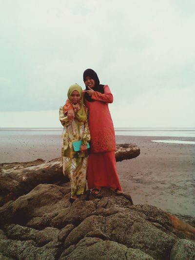 Gonna miss tht person in orange kurung a lot?♥♡?