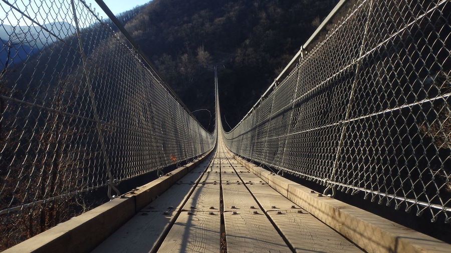Ponte Tibetano Carasso Prospettiva Walk Sky Outdoors No People Day Trekking Sunlight TrekkingDay Tibetan  Bellinzona Carasso Tibetano Probe Ponte Svizzera Tibetan Culture Switzerland Ponte Tibetano Tibetan Bridge Prova Bellinzona, Switzerland Ticino Cantone Bridge Corda