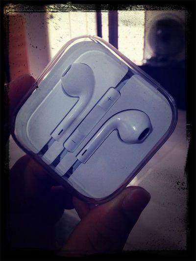 买iPhone5到现在都还舍不得用!!!
