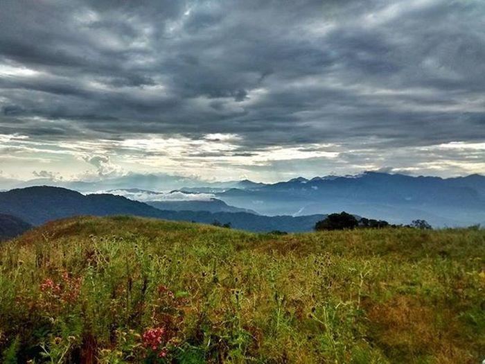 Happy Sunday mornings. Roadtrip Sunday Dawn Nagaland IndiaTrail PeaceInTheValley