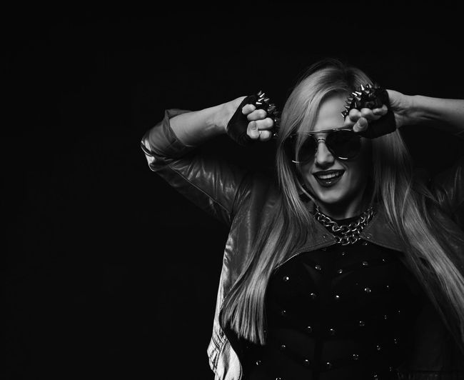 Rockin the Scene Studio Shot Sunglasses Black Background One Person Real People Young Adult Women Young Women Portrait Adults Only People Adult Day Musician Artist Modeling Guangzhou China EyeEm Best Shots - People + Portrait
