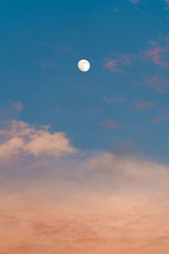The moon with the cloud Blue Sky Full Moon Moon The Mid-Autumn Festival Background Clouds Clouds And Sky Festival Festivals Scenery