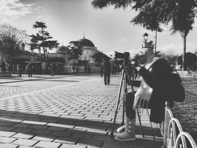One Person Outdoors People Adult Real People Palm Tree Sky Adults Only Day Young Adult Istanbul Turkiye Istanbulove Dramatic Sky SultanAhmetBlueMosque Sultanahmet Sultan Ahmet Dramatic Photo Sultan Ahmed Mosque