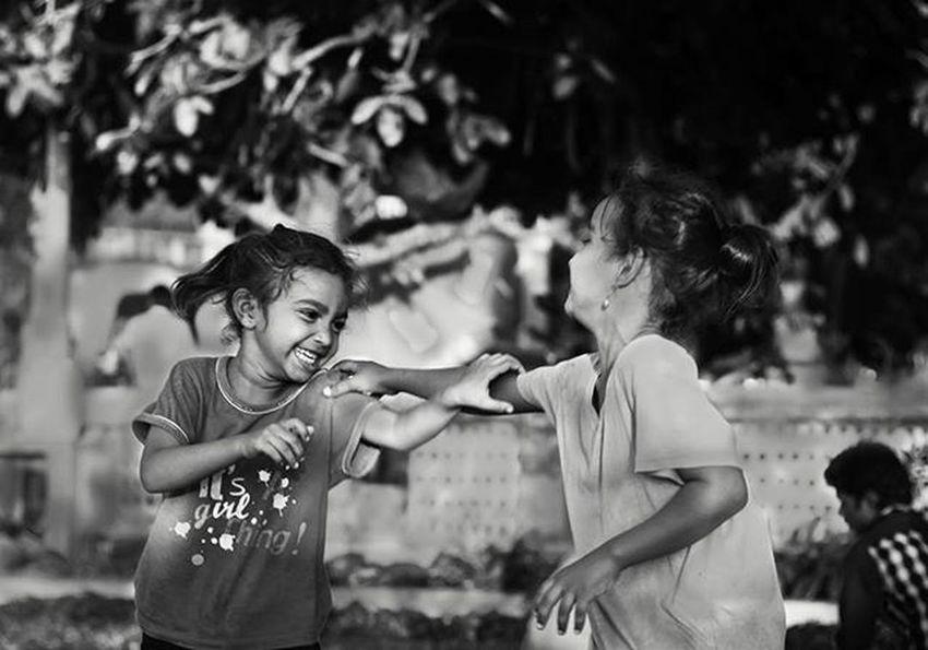 """ SIBLINGS "" Name : Pari and Anjli Siblings Sisters Enjoy The moment Love True Forever Blackandwhite Bnw_captures Bnw_india Bnw_captures Streetphotography Streetportrait Travelphotography Travelgram Instagram Mumbai India Incredibleindia Bandra Bandstand Mumbaiphotohunt Mumbai_igers MumbaiDiaries Mumbaikar mumbaigram indiapictures lonelyplanetindia _soi indianphotographers lovephotography"