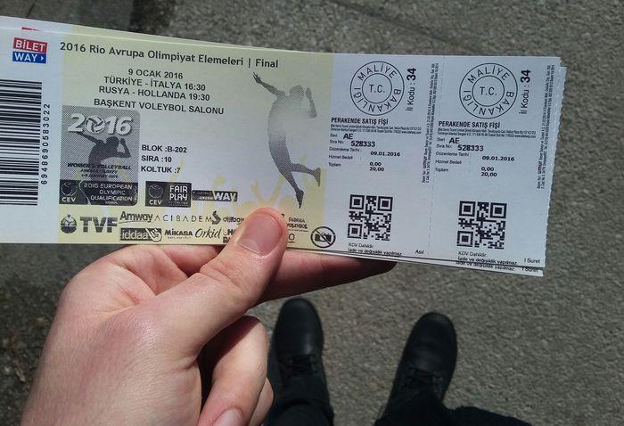 Dünkü maçta yer bulamazsam sabahtan gider alırım bileti 😏 Turkey Italy Woman Volleyball Roadtorio Ankara Baskent Spor  Salonu