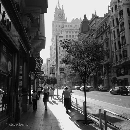 walking Madrid Madrid • Gran Via