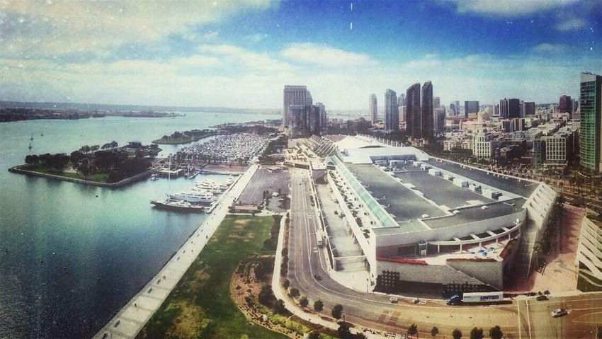 ¡Eyeem Addict! ¡Awesomeness! Clouds And Sky DayDreamN Hilton Bayfront Hotel (22nd Floor View)
