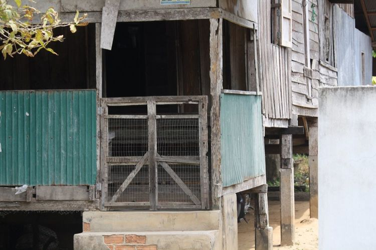 Ancient houses architecture of southern Thailand Ancient House Ancient Architecture Thailand Southern Thailand Built Structure Architecture Building Exterior Abandoned Old Building Damaged House Window Wood - Material