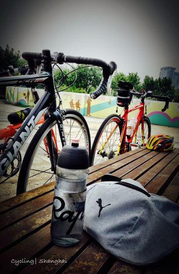 PM 5:58 上海西岸碼頭, 慵懶的週六午後... 提起精神處理完公務, 找老朋友出門騎車解壓去。。。今日小騎20K ??? Shanghai Cycling Relax Nice