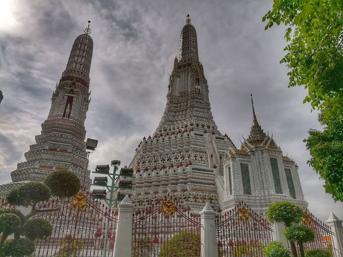 Wat Arun Ratchawararam Ratchawarama Travel In Thailamd Arts Culture And Entertainment Tourism Pagoda Building Pagoda Building Exterior History Travel Destinations Architecture Outdoors Religion EyeEm Thailand Huawei Collection Huaweiphotography