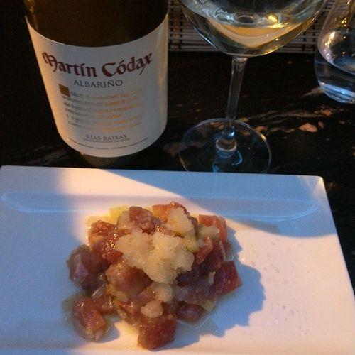 Martincodax Albariño potencia sus virtudes con este Tartar  de Atùn Manzana verde y escarcha de citricos. Wineuptour Murcia @tiquismiquisgastrobar