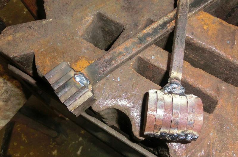 Blacksmith  Close-up Damaszener Stahl Forge  Forger Forging Hammer Handwerk Metal Metall Schmiede Schmiedekunst Schmieden Werkstatt Werkzeug Working Hard