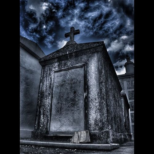 Bnwbutnot Graveyard_dead Hdr_europe Trb_members1 Church_masters Taphophiles_only Trb_gyd_headstones Ominous_perfection Iofgngfilthypages