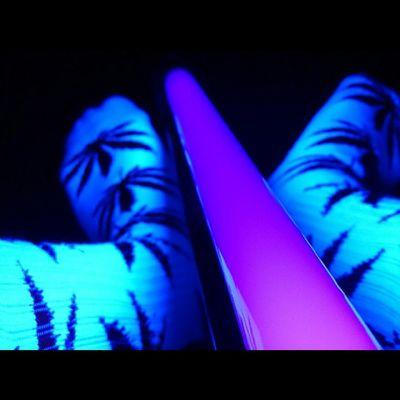 HUF. Huf Plantlife Blacklight Glowing purplenotreallyweedsockshuflifecomfynofocussonyxperiazoctoberphotographypotdwednesdayroomgoodnightpeace