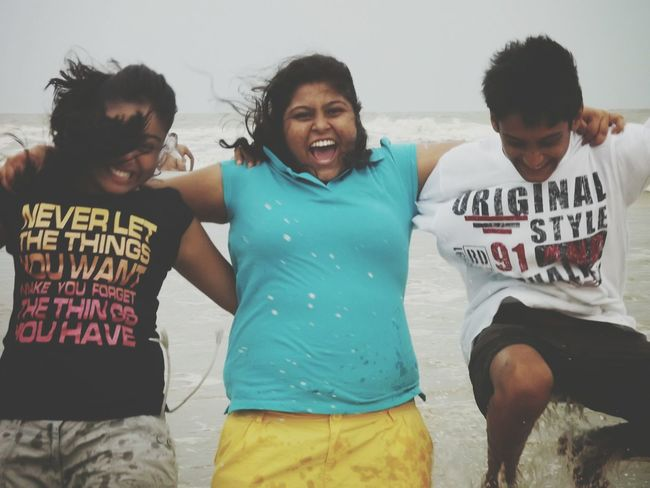 Travel Friendship Happiness Smiling Men Young Adult People Cheerful Togetherness Outdoors Beach Adult Day Water Friendsforever Musketeers Old Days Old Friendship Eyeem Market EyeEm Gallery EyeEmNewHere Vacations Real People Oldisgold Happiness