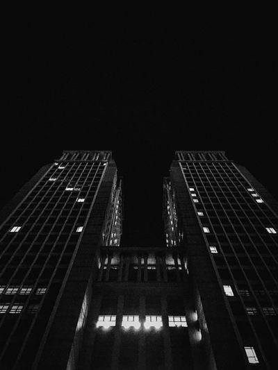 有蝙蝠侠感觉的夜晚光华楼,像黑夜里的战车。 First Eyeem Photo
