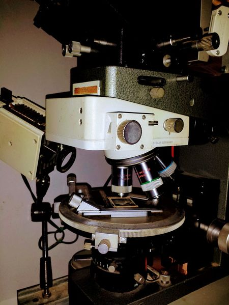 Close-up Close—up Film Industry Indoor Indoors  Manufacturing Equipment Manufacturing, Production; Construction No People Polarized Light Microscope Technology Close Up Technology