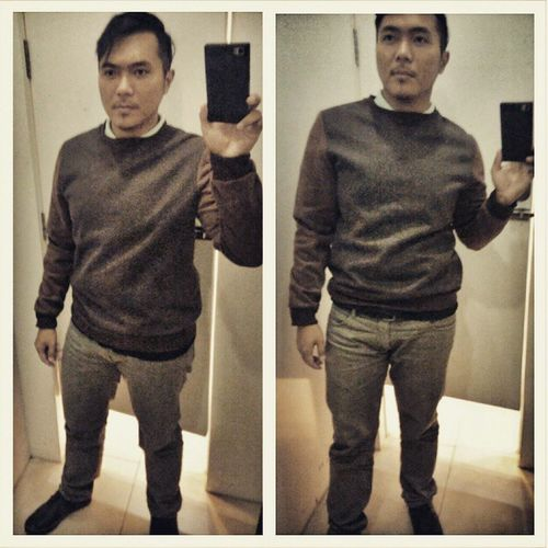 yes? I'm busy taking mirror selfies. haha! Mirrorselfie Outfitplace Feelingawesome