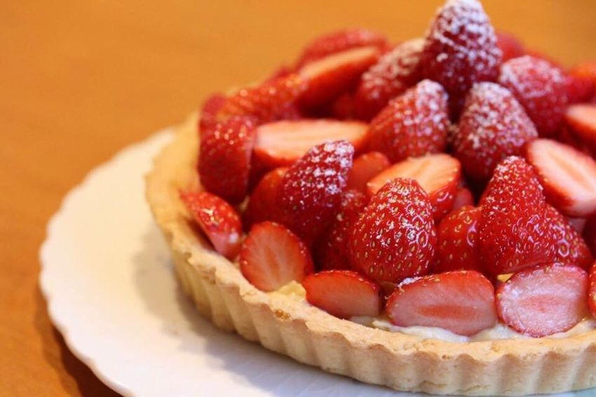 Sweet Sweet Food Food And Drink Food Fruit Strawberry Freshness Indoors  Red Selective Focus Healthy Eating Close-up Berry Dessert Ripe Plate Vibrant Color Indulgence Juicy Ready-to-eat Baked Pastry Item Cooking