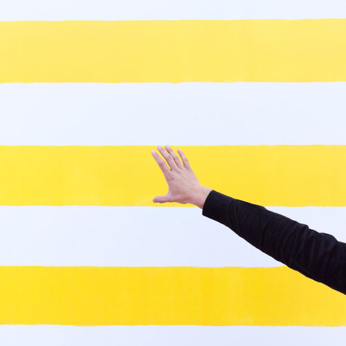 Hold the line... Human Hand Human Body Part Men One Person People One Man Only Close-up Human Arm Instagramer ExploreEverything Canon Art ArtWork Museum Museum Of Modern Art Voorlinden Martin Creed Say Cheese Yellow Lines Perspective Perspective Photography EyeEmNewHere