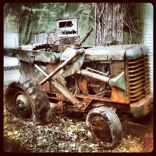 Vintage tractor Tractor Rusty Rustedtractor Arkansas country dilapidated yesteryears antique abandoned backroads country forgotten farming instagramer webstagram