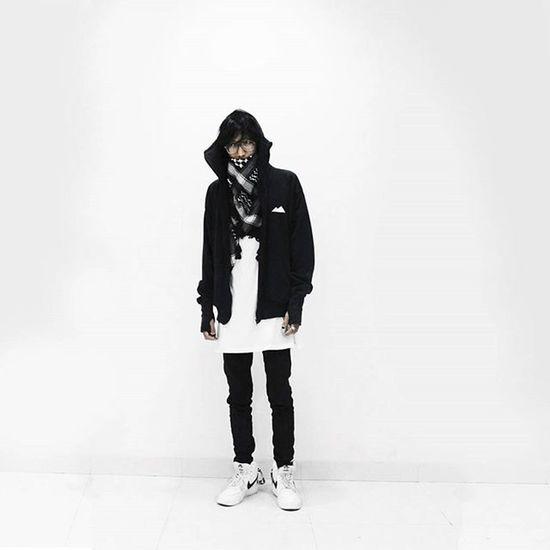 Ninjah VSCO Vscocam Ootd Black White Ninja Streetwear Nike Mdfk Madefake Bw Blackwhite Ootdindo Keffiyeh Apaaja Ygpentingkeren Lookbookindonesia Ootdmagazine Kekinian Uhay Snobshots Jakarta