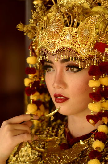 beauty in sriwijaya Gold Palembang Traditional Clothing Beauty In Nature Cultures Girl Gold Colored Make-up Pesona Indonesia Portrait Sriwijaya First Eyeem Photo