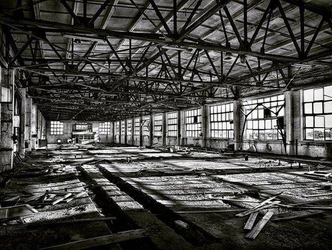 Honor7 HDR Hdr_pics Hdrart Hdrama Hdri Architecture заброшенный завод чернобелое Blackwhite Black Factory Time Building Abandoned Windows Light